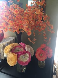 Beautiful fake floral arrangements $8 each or $15 takes all. Excellent condition Modesto, 95358
