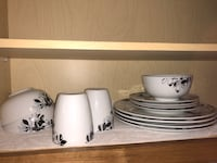 White ceramic plate set only selling because I am moving on Sunday  Winter Park, 32817