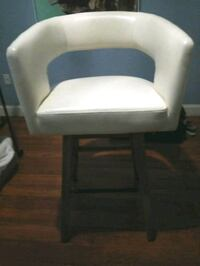 white and black leather padded chair Miami, 33196