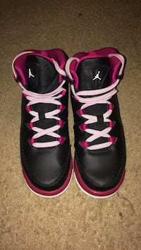 Black and pink jordans Sterling