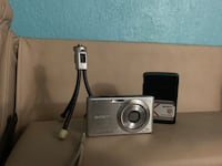 Sony Cybershot Digital Camera with stand and battery charger St. Louis, 63116