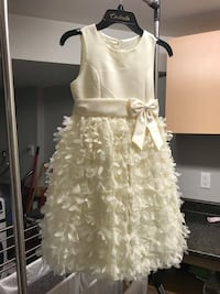 Brand new with tags. Size 7 wedding or occasion dress. Bought for 60$ plus taxes   780 km