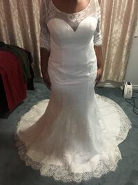 Beautiful barely worn wedding dress Calgary, T3J 2X4