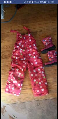 Size 4 snow pants and size 9 boots Kitchener, N2B 2L3