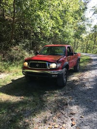Toyota - Tacoma - 2004 Red Lion