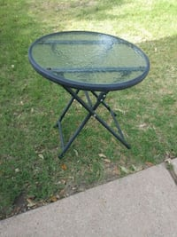round black metal framed glass top table Round Rock, 78665