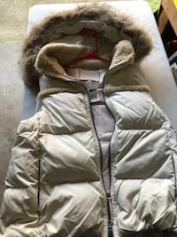 Authentic coach 83125 down vest size L/G (new) Roswell, 30075