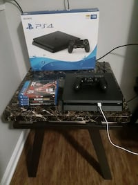 1TB PS4 BUNDLE