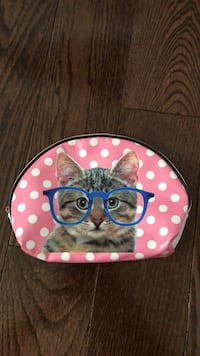 Small bag with a kitten design  Markham, L3T 6Y4
