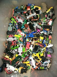 Over a 100 plus hotwheels !!! Many diff years.  Middle River, 21220