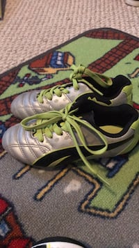 puma soccer cleats size. 11 with  size small shim guards Inwood, 25428
