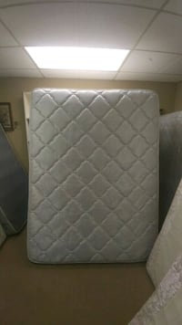 Queen Mattress And Boxspring High Point, 27262
