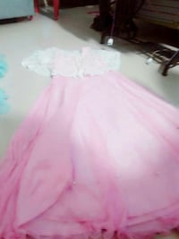 white and pink scoop neck dress Kanpur, 208001