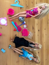 3 Barbies (Hairtastic and 2 dolls with accessories) Hamilton, L9C 1K3