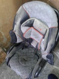 baby's gray and black car seat carrier Los Angeles, 90007