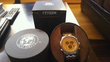 STUNNING AUTHENTIC CITIZEN ECO DRIVE WATCH.