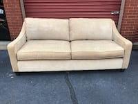 Bassett Furniture Beige 7' Couch  42 km