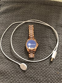 round gold-colored Michael Kors digital watch with link bracelet and white magnetic charger Toledo, 43615