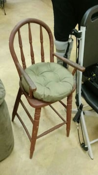 antique high chair Dover, 17315