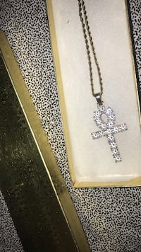 Silver chain necklace with cross pendant North Charleston, 29420