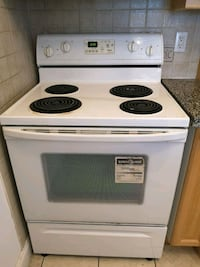 Whirlpool stove - everything works no issues  Toronto, M2N 7L4