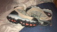 pair of brown-and-black Nike basketball shoes Deridder, 70634