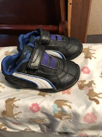 pair of black-and-blue shoes Mission, 78574