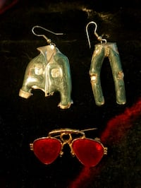 Totally Awesome Retro Earrings and pin set Surrey, V4N 0J2
