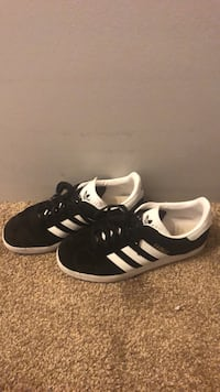 Black gazelle adidas sneakers