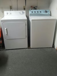 white top load clothes washer and dryer set