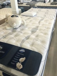 Mattress Serta King Queen Las Vegas, 89109