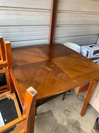 Dining Table Baltimore, 21219