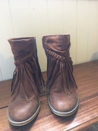 pair of brown leather boots St Catharines, L2N 4R4