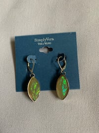 pair of gold-colored earrings Glendale, 91205