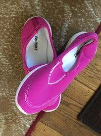 Pair of pink comfy shoes size 8