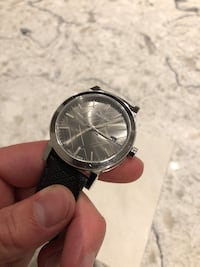 Burberry watch with original case (GOOD CONDITION) 40 km
