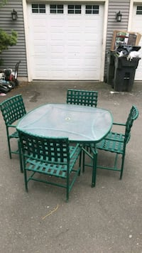 Outdoor Table and Chairs Southington, 06489