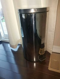 Stainless garbage container  Milton, L9T 6E7