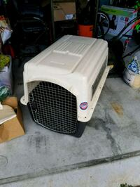 white and black pet carrier Spring Hill, 34606