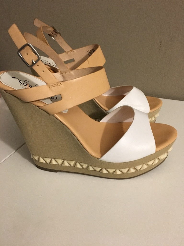 Pair White Brown And Sandals Wedge Of hrQdtsC