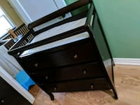 Baby dresser with change table top Hamilton, L9A 3Y1