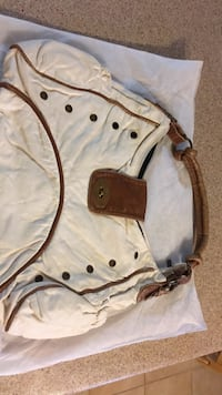 white and brown leather shoulder bag Gatineau, J8P 2T5
