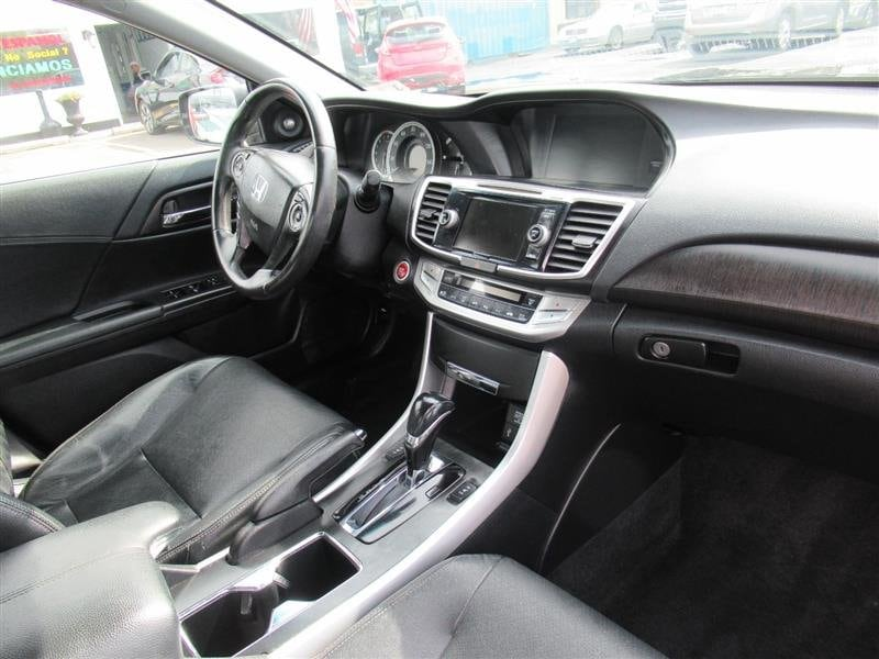 Honda Accord Sdn 2013 5464ab54-8fbb-423b-887f-58cd71547fd1
