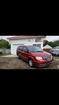 Chrysler - Town and Country - 2012 Edmonton, T5Z 0H8