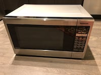 Panasonic counter top microwave  Vaughan, L4L