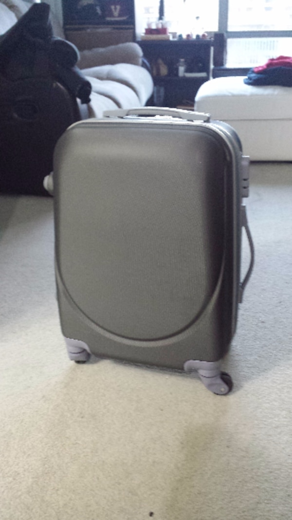 Carry on suitcase perfect condition