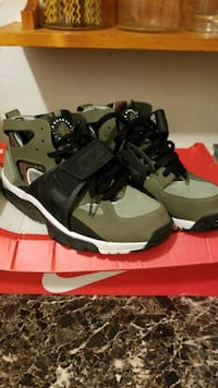 Nike air huarache size 9 Freeport