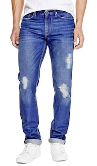 J0004 NWT Guess Slim Straight Liw Rise Mens Destroyed Jeans 32x33 Vancouver, V6H 4H8