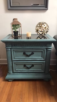 Refurbished marble top end table Arlington, 22201
