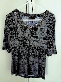 black and white scoop-neck blouse Fort Wayne, 46803
